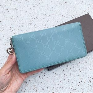 New Gucci Authentic GG Plus Zip LG Clutch Wallet